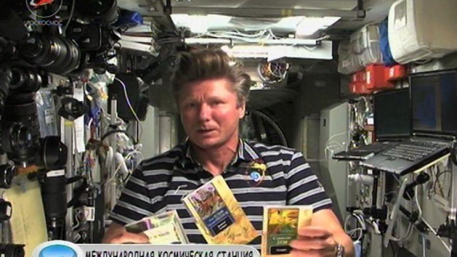 Что космонавты читают в космосе?